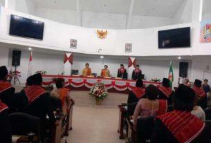 SIDANG ISTIMEWA: Wabup Karo, Cory S Sebayang menghadiri sidang paripurna istimewa peringatan hari jadi Kabupaten Karo ke-74 di DPRD Karo, Jumat (6/3). solideo/ SUMUT POS