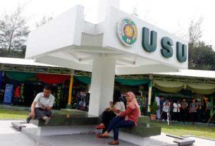 USU: Sejumlah mahasiswa USU di halaman gedung Biro Rektor. USU menerima jalur SMNPTN hanya 2.294 orang pada tahun ini. TRIADI WIBOWO/SUMUT POS