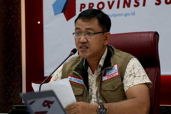 UPDATE DATA: Jubir GTPP Covid-19 Sumut, Whiko Irwan, mewakili Gubernur Sumut Edy Rahmayadi memberikan keterangan pers update data Covid-19 di Sumut, Senin (24/8).