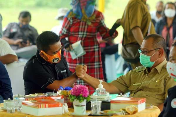 BERSAMA JURNALIS: Plt Wali Kota Medan, Akhyar Nasution, saat silaturahim bersama jurnalis.