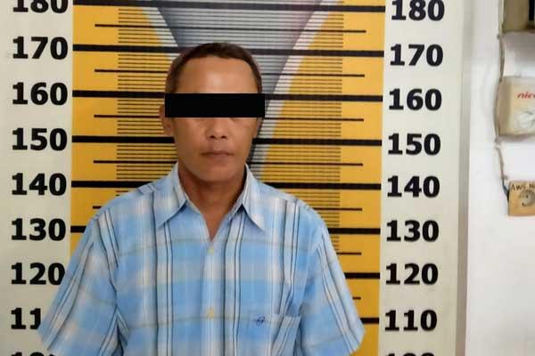 DIAMANKAN: Pemilik narkotika jenis sabu, Risnandar yang diamankan ke Satres Narkoba Polres Tebingtinggi.
