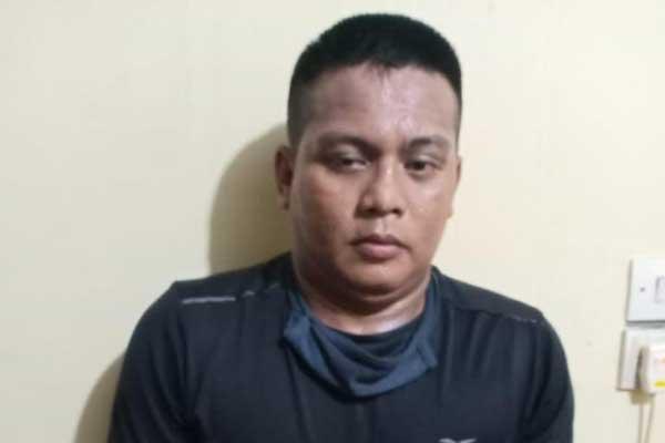 TERSANKA: MR alias R (48) warga Bandar Selamat, Medan Tembung, ditangkap pada Sabtu (24/10).