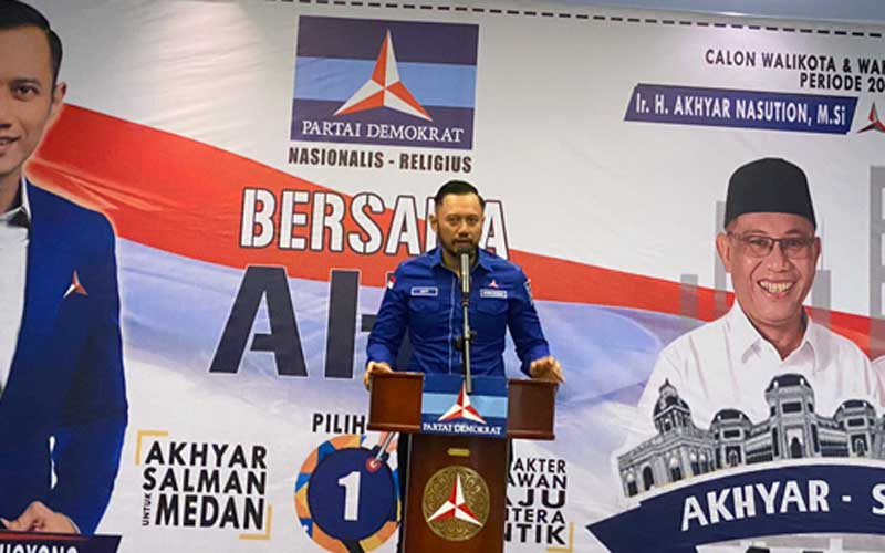 SAMBUTAN: Ketua Umum DPP PartaiDemokrat,Agus Harimurti Yudhoyono memberi kata sambutansaat media gatheringbersama Akhyar-Salman di Hotel Adimulia Medan, Senin (23/11).