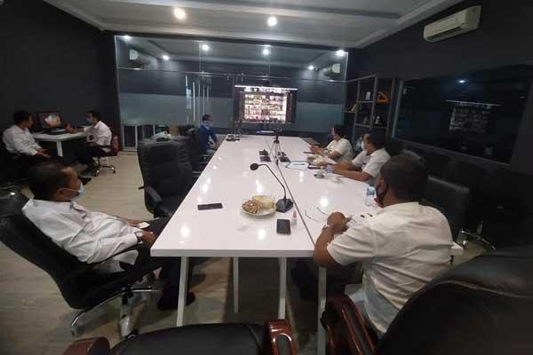 DEKLARASI: Pemkab Langkat saat mengikuti Deklarasi Program Desa Ramah Perempuan dan Anak di Ruang LCC Kantor Bupati Langkat, Kecamatan Stabat, Rabu (11/11).ILYAS EFFENDY/SUMUT POS.
