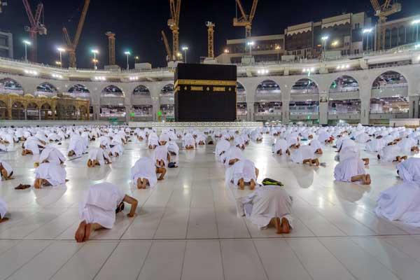 UMRAH: Visa umrah untuk jemaah Indonesia kembali dibuka Arab Saudi, setelah sempat ditutup pascatemuan 13 jemaah positif Covid-19.