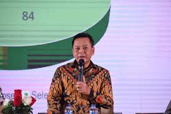 WIBINAR: Dekan Fakultas Ilmu Sosial dan Politik USU, Dr Muryanto Amin dalam webinar memperingati Dies Natalies ke-56 Fakultas Ilmu Sosial dan Politik Universitas Sam Ratulangi, Senin (9/11).M IDRIS/sumu tpos.