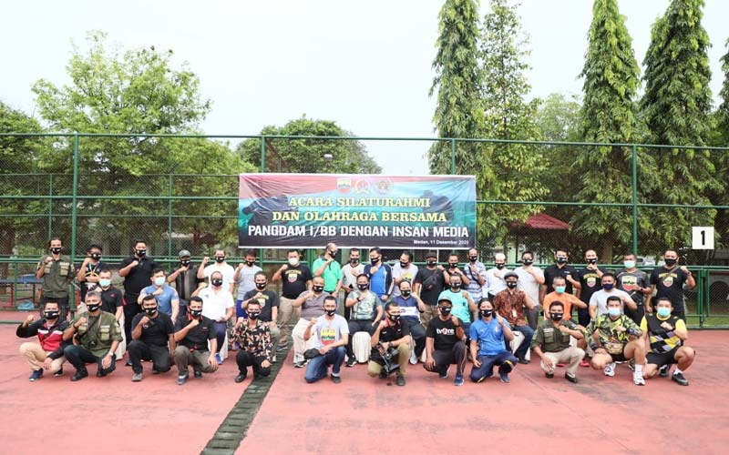 BERSAMA: Panglima Kodam I/Bukit Barisan, Mayjen TNI Hassanudin SIP, MM,  foto bersama awak media di sela-sela kegiatan.istimewa/sumutpos.