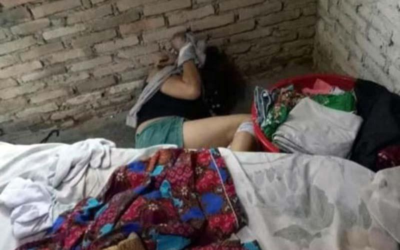 TEWAS: Diana (48) ditemukan tewas di kediamannya Jalan Mariendal Gang Sawah Desa Marindal Patumbak, Deliserdang, (13/12)