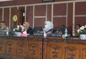 SIDANG PARIPURNA: DPRD Kabupaten Labuhanbatu melaksanakan sidang paripurna dengan agenda pengusulan pemberhentian Bupati Labuhanbatu masa jabatan 2016-2021.