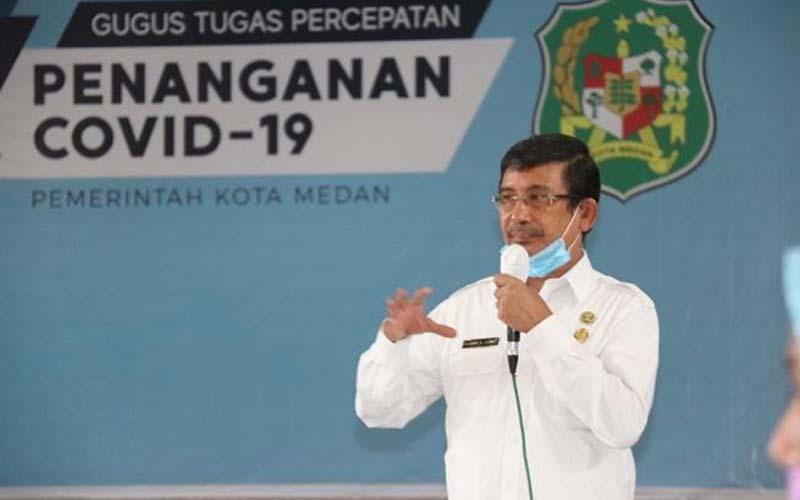 PENJELASAN: Kepala Dinas Sosial Kota Medan, Endar Sutan Lubis menjelaskan soal bansos, beberapa waktu lalu.markus/sumut pos.