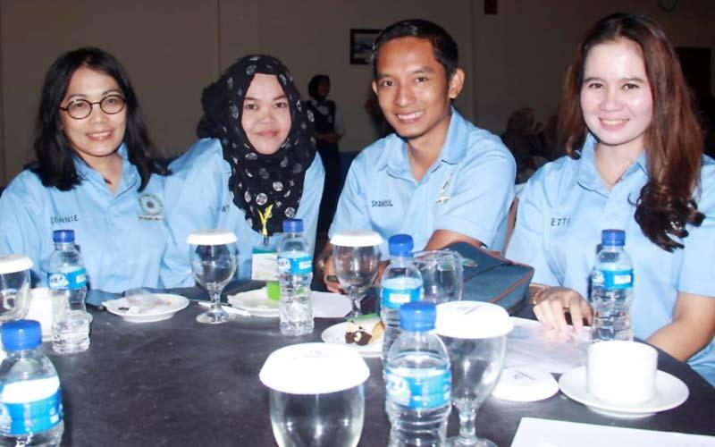 LOLOS SELEKSI: Syamsul Adha, Sekretaris IKAMIKOM Fisip USU (dua dari kanan), lolos Seleksi Dirut BPODT.istimewa/sumut pos.