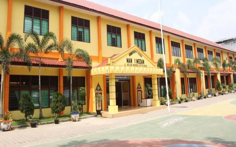 MAN 1 MEDAN: Sekolah Madrasah Aliyah Negeri (MAN) 1 Medan di Jalan Williem Iskandar Medan.