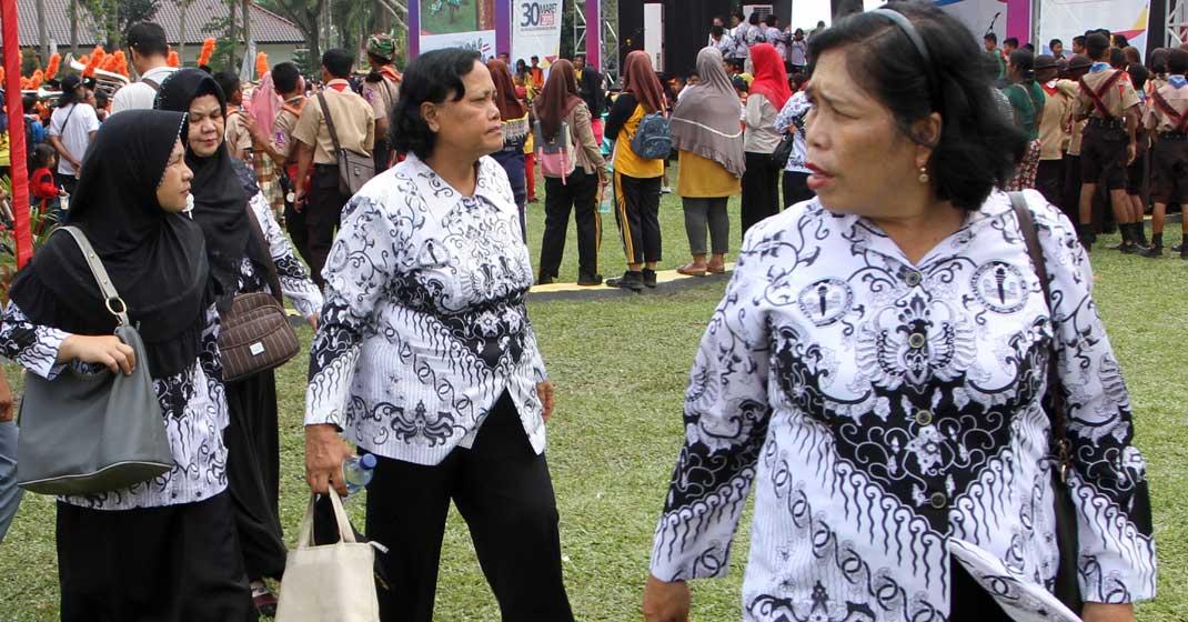 PPPK: Guru honorer di Kota Medan. Sebanyak 100 pegawai honorer di Kota Medan akan segera menerima SK sebagai PPPK, mayoritas guru.